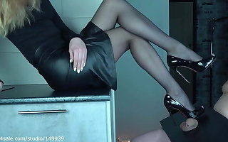 quaggy little dick crush by High heels